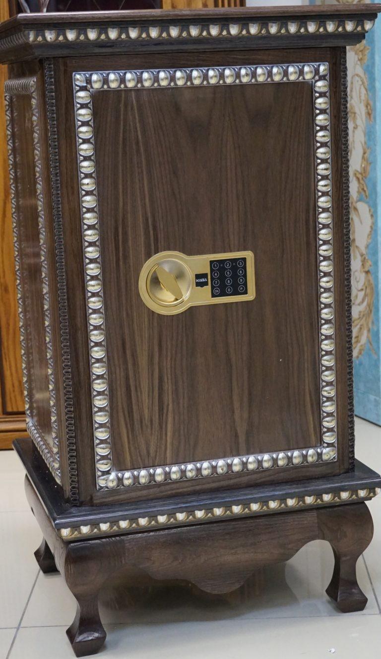 Элитный взломостойкий сейф с отделкой деревом Адаричев Карат 67 TD EL-ZZ
