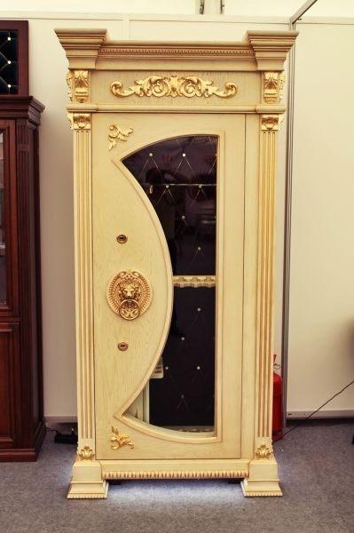 Элитная оружейная витрина сейф с бронестеклом на 11 стволов Адаричев ОШЭЛ 1135 VIP