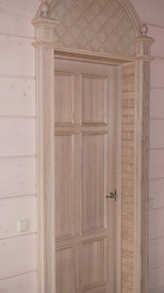 Элитные межкомнатные двери из массива дуба.